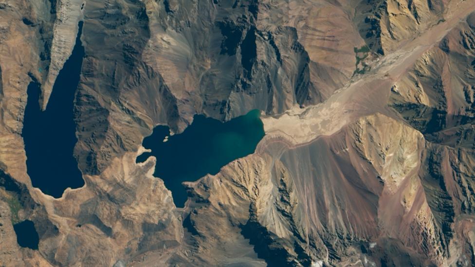 Mapa satelital de la Nasa del embalse El Yeso en el centro de Chile en 2020
