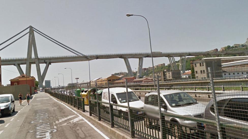 Morandi Genoa bridge: Towers demolished after evacuations - BBC News