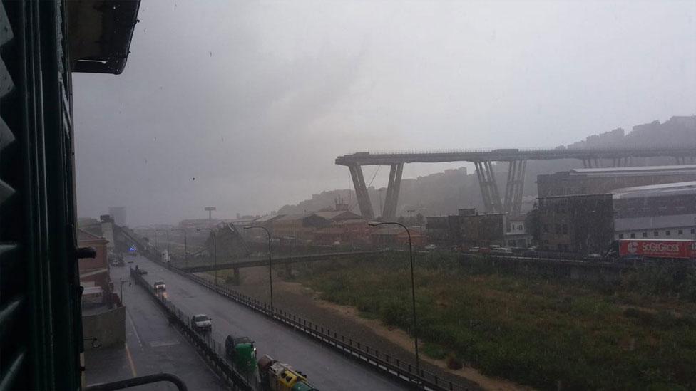這圖片顯示莫蘭迪橋倒塌前後情況對比