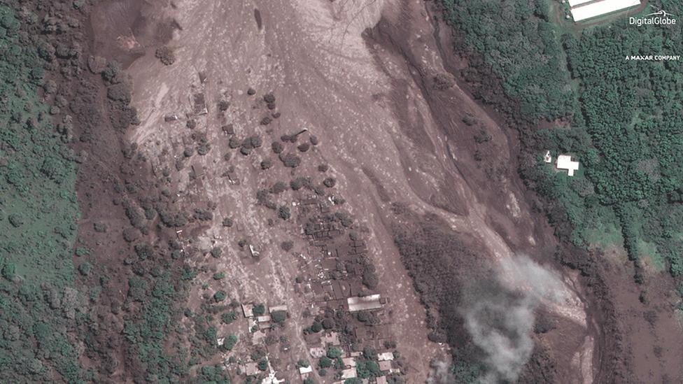 Imagen satelital de San Miguel Los Lotes tomada días después de la erupción, el 6 de junio de 2018