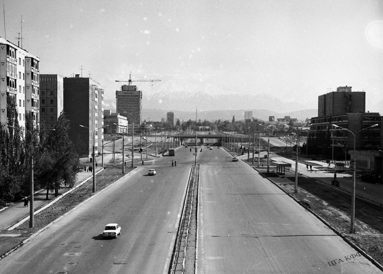 Правда көчөсү, Фрунзе шаары